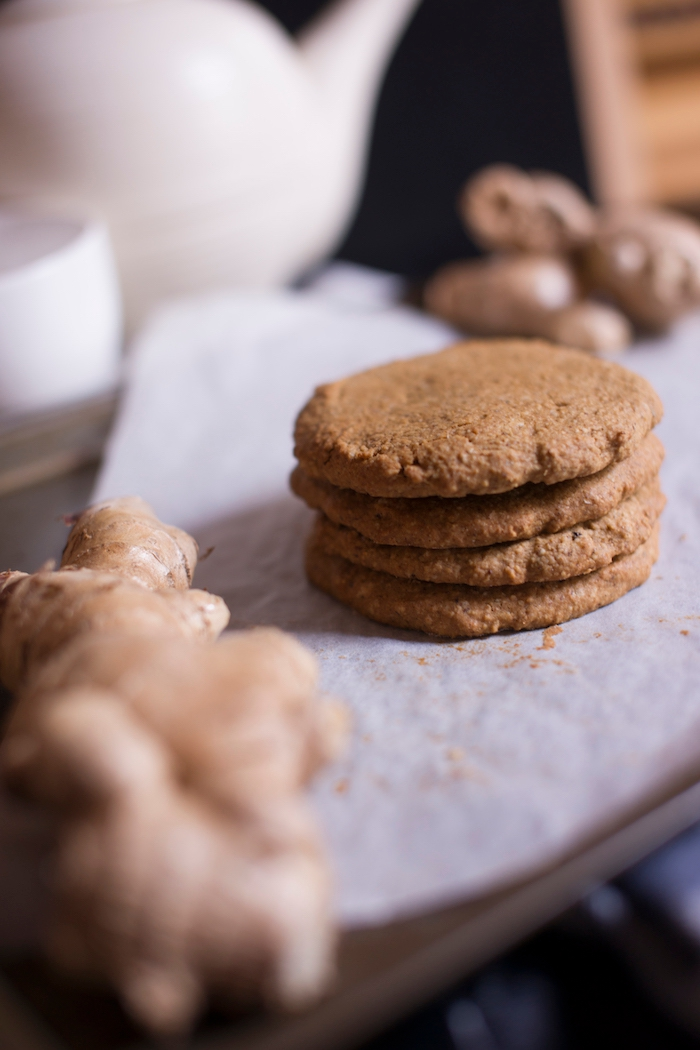 ginger and clove spiced cookies_the lemon and jar_1